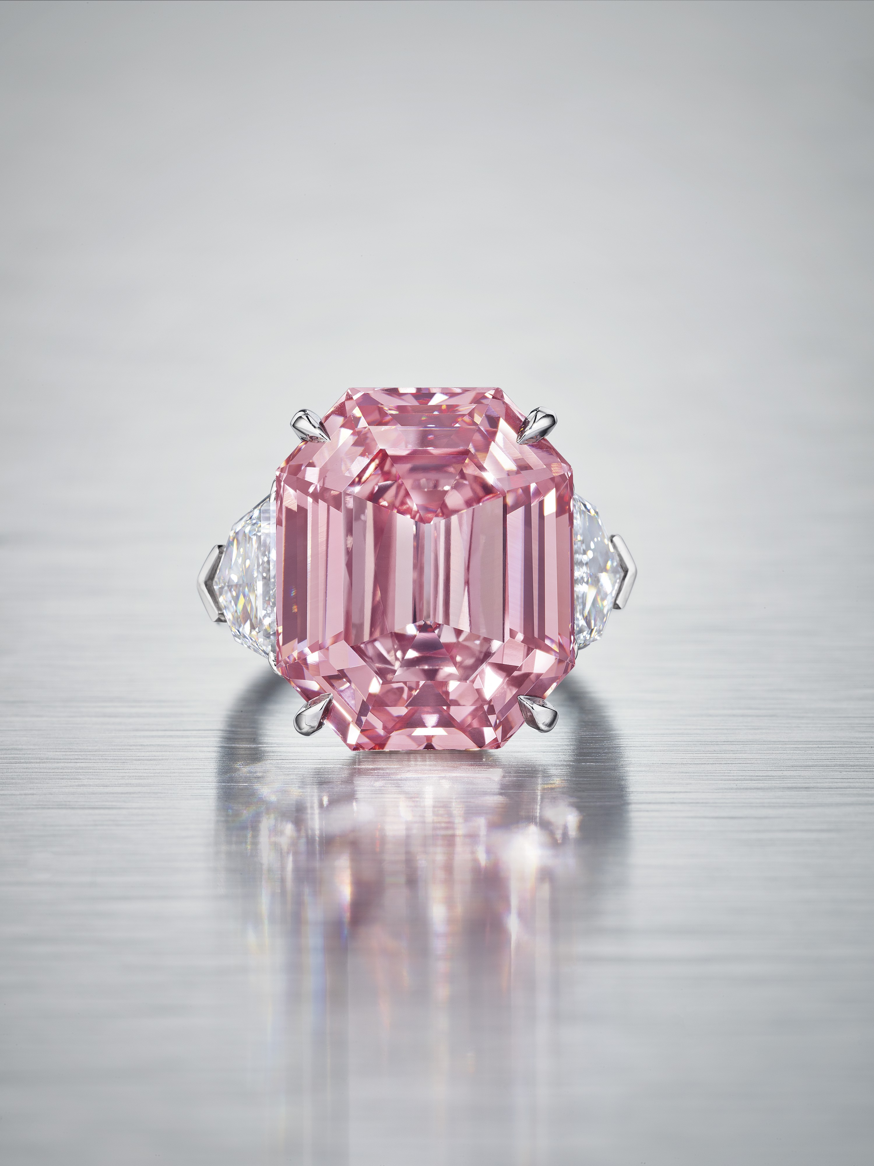 New Owner of Fancy Vivid Pink Diamond: Harry Winston
