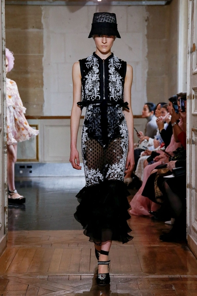 Giambattista Valli SS20 Paris