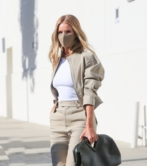 Sokak Stili Radarı: Rosie Huntington-Whiteley