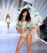 52 Karede Victoria's Secret 2018 Defilesi