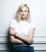 Louis Vuitton ve Sophie Turner'den UNICEF'e Destek